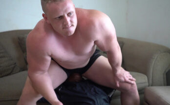 gay butt sniffing, gay ass sniffing, butt sniffing, muscle butt sniffing, muscle bubble butt, muscle ass smelling, gay butt smelling, gay facesitting,